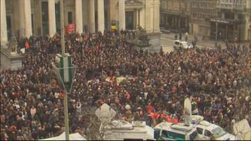 23-03-2016 17:42 Belgowie oddają hołd ofiarom. Mówią: nie ulegniemy terrorystom
