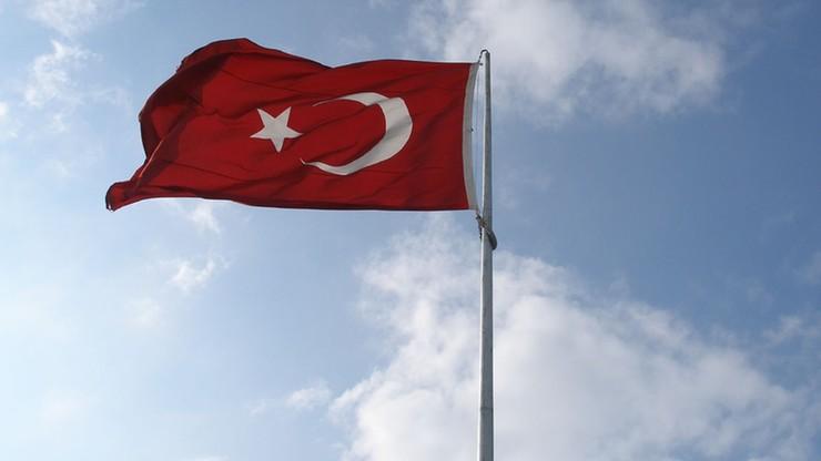 Blisko 100 tys. osób straciło pracę w Turcji za związki z Gulenem