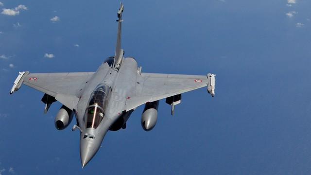 Francuzi bombardują ISIS. Kolejne naloty na twierdzę dżihadystów