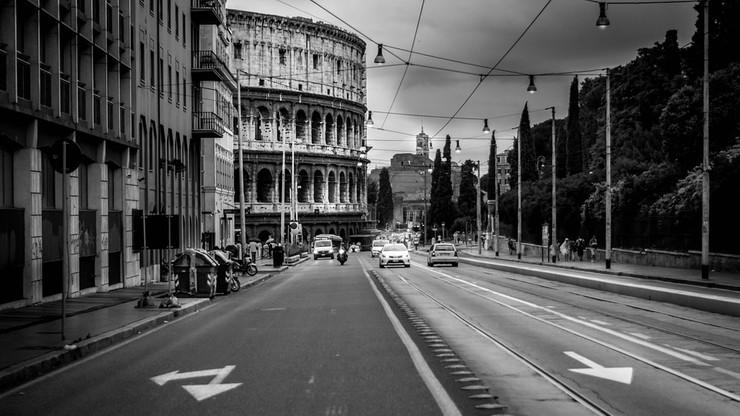 """""""SOS dla Rzymu"""". Alarmujący raport o zachowaniach kierowców"""