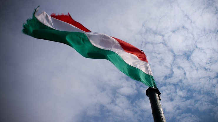 Redakcji opozycyjnego węgierskiego portalu zawieszono akredytację parlamentarną