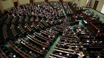 26-11-2015 13:16 Twitter komentuje obrady Sejmu. #dobrazmiana z nowym znaczeniem