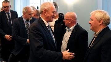 14-04-2016 21:49 Rozmowy w Kompanii Węglowej przerwane. Szansa na porozumienie, jeśli cięcia nie obejmą płac