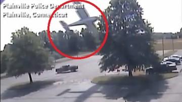 """""""Od razu wiedziałem, że nie wszystko idzie zgodnie z planem"""". Samolot wpadł na drzewo i runął na parking"""