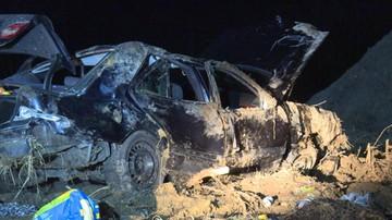 08-02-2016 07:30 Dwie osoby nie żyją, cztery w szpitalu. Tragiczny wypadek koło Zielonej Góry