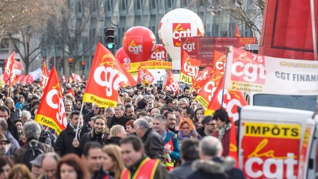 Francja: przyjęto reformę prawa pracy - bez głosowania w parlamencie
