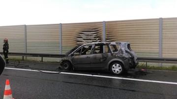 12-05-2017 21:05 Pożar samochodu i zderzenie dwóch aut na autostradzie A4. Wypadki w Małopolsce