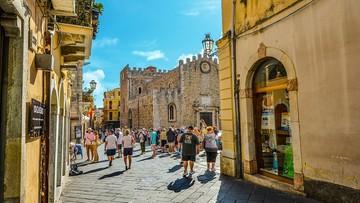 Fala turystów zalewa Włochy. Protesty z powodu tłoku