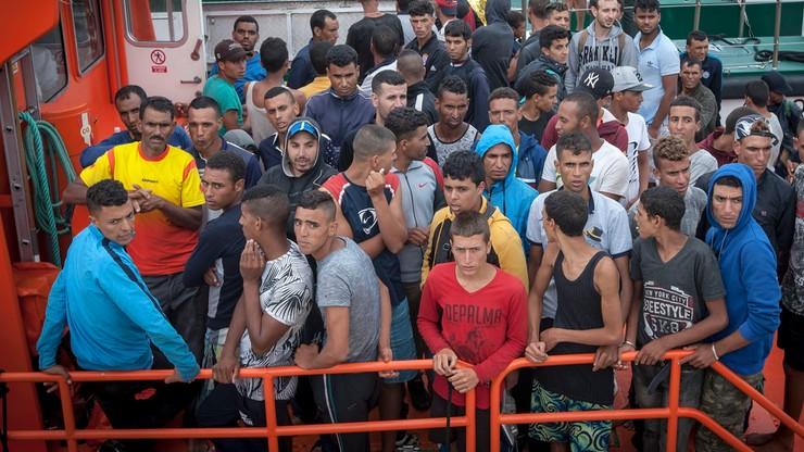 W Hiszpanii rozbito siatkę legalizującą pobyt migrantów z Azji w Europie