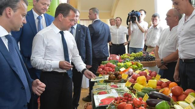 Rosja rozszerza spożywcze embargo - na liście... Ukraina
