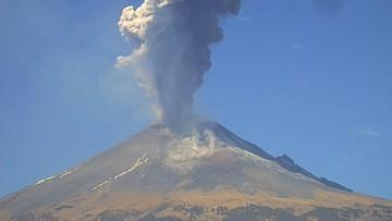 """Wulkan """"El Popo"""" jest w ostatnich miesiącach bardzo aktywny. Także na Twitterze"""