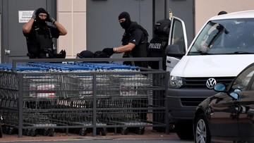 27-07-2016 22:28 Ewakuacja centrum handlowego w Bremie. Policja ściga Algierczyka