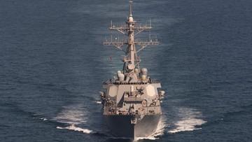 Amerykański niszczyciel oddał strzały ostrzegawcze w kierunku irańskich okrętów