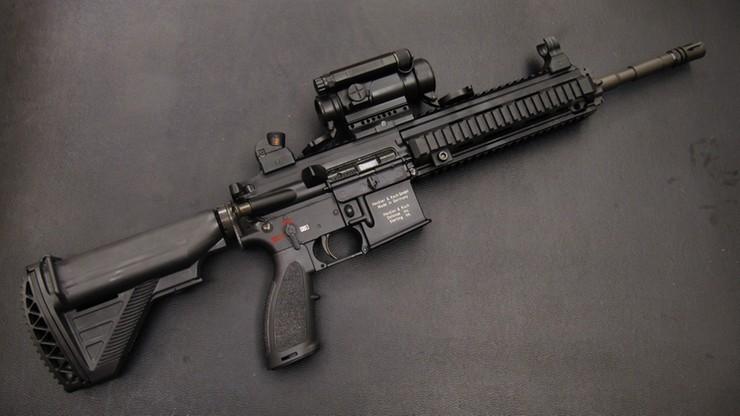 Policja kupuje nowoczesną broń. Przed dwoma ważnymi wydarzeniami