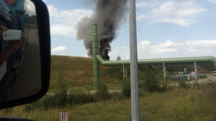 2017-07-18 Pożar wysypiska w Kostrzycy. Gryzący dym rozprzestrzenia się po okolicy