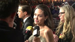 Johnny Depp pociesza Angelinę?