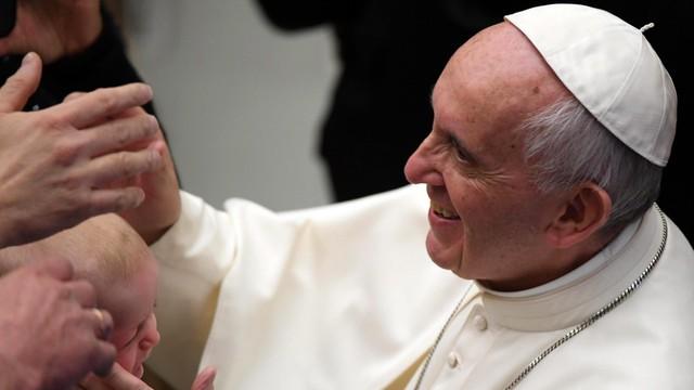 Papież przypomina o dzieciach w schronach i na łodziach migrantów