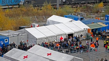 12-11-2015 18:04 Austria: rozbicie siatki zajmującej się przemytem migrantów