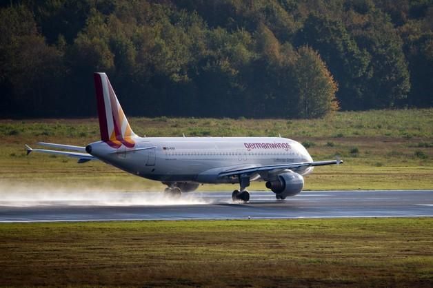 Francja: rozbił się samolot z ponad 140 osobami na pokładzie