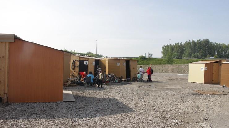 Zamieszki i pożar w obozie dla uchodźców w Grande-Synthe