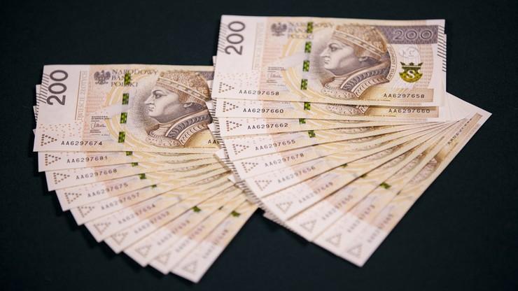 Firmy zapłacą gotówką tylko do 15 tys. zł. Rząd chce w ten sposób walczyć z szarą strefą
