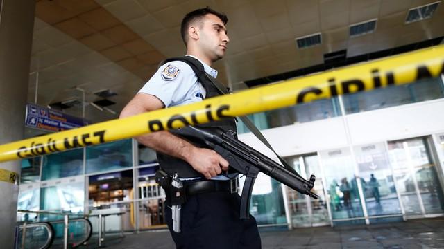 Zatrzymano 13 podejrzanych w związku z zamachami w Stambule