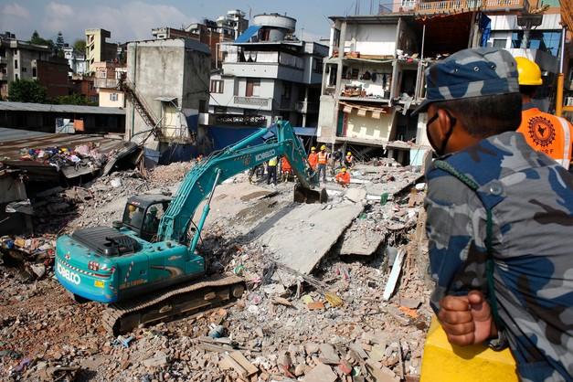 Nepal: ponad 6,2 tys, ofiar śmiertelnych trzęsienia ziemi