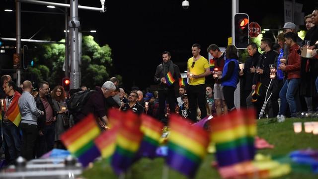 Dziesiątki tysięcy osób uczciły pamięć ofiar ataku w Orlando