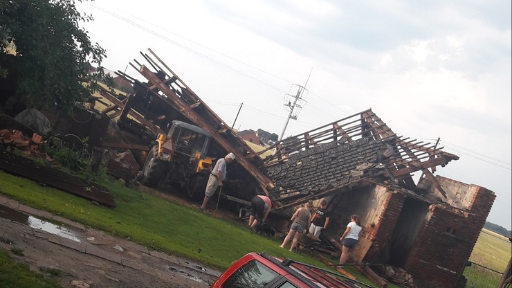 2017-06-29 Zniszczona stodoła w woj. opolskim