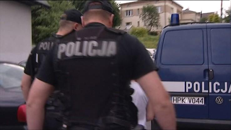 Policjant kradł pieniądze przyniesione przez uczciwych znalazców. Wyleciał ze służby
