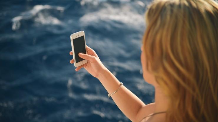 Co czwarta Polka zdradza partnerowi hasło do smartfona