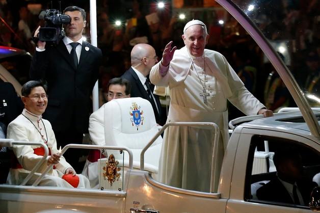 Papież o Charlie Hebdo: w wolności słowa są ograniczenia