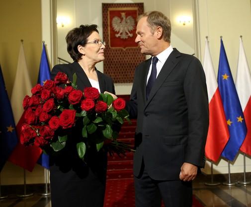 Kwiaty dla Ewy Kopacz. Tak Tusk żegna się z kancelarią