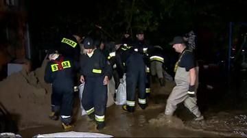 Woda w Elblągu opada. Strażacy monitorują rzeki