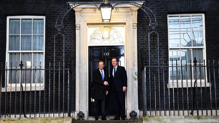 """""""Cameron wiele oczekuje, niewiele oferując"""" kontra """"nowe rozwiązanie będzie sprawiedliwsze"""". Eksperci o kompromisie z Wielką Brytanią"""