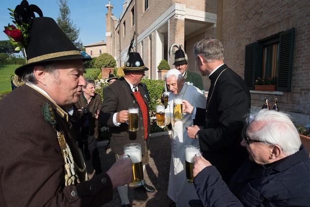 Bawarskie urodziny papieża emeryta