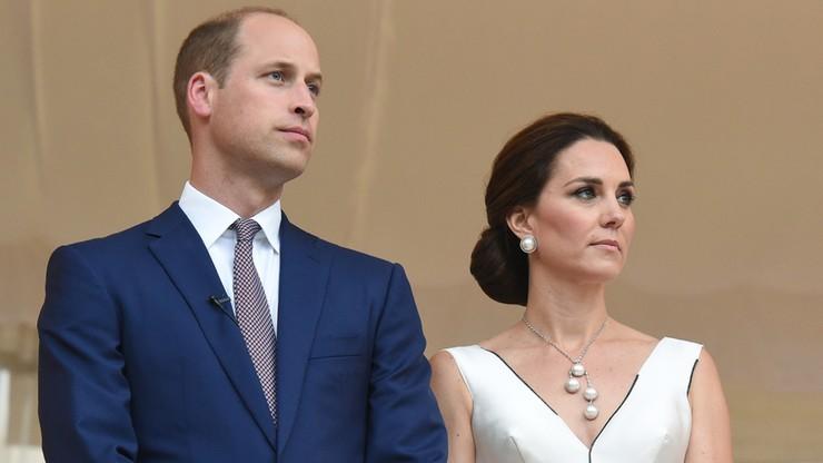 """""""Powinna być głęboko zawstydzona"""". Ambasador RP napisał do """"Guardiana"""" ws. komentarza o wizycie Kate i Williama"""