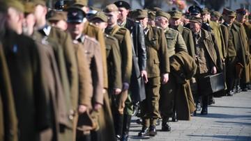 02-04-2017 21:15 Katyński Marsz Cieni. W hołdzie zamordowanym, w historycznych mundurach