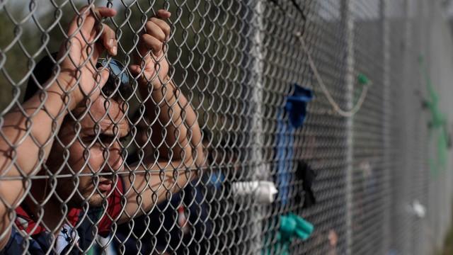 Polska nie przyjmie uchodźców? Rozważamy rekonstrukcję decyzji