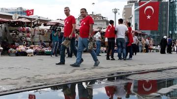 20-07-2016 18:39 Turcja zawiesza w obowiązkach ok. 6,5 tys. pracowników szkolnictwa