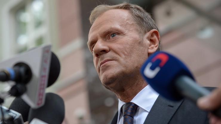 """""""Tusk potępia polskie polowanie na czarownice"""". Media w Belgii komentują wizytę byłego premiera w Warszawie"""