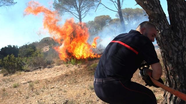 Francja: 10 tys. ludzi ewakuowanych z kempingów z powodu pożarów