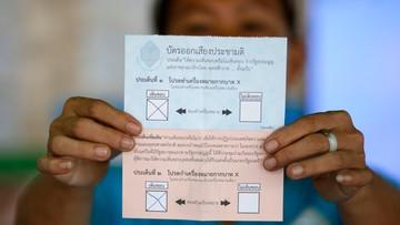 07-08-2016 14:31 Tajlandczycy poparli w referendum projekt nowej konstytucji