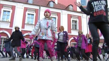Kobiety tańczyły na ulicach. Nagłośnienie problemu gwałtów na randce. Akcja