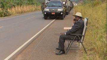12-07-2016 22:22 Prezydent Ugandy gwiazdą memów. Nie zgadniecie dlaczego