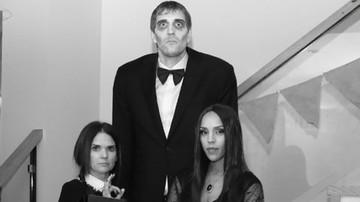 2015-10-26 Dirk Nowitzki w Rodzinie Adamsów! Świetne kreacje gwiazd NBA na Halloween