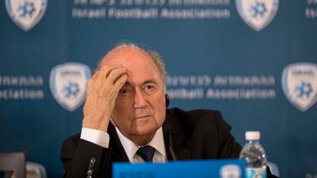 Kibice nie znoszą Blattera