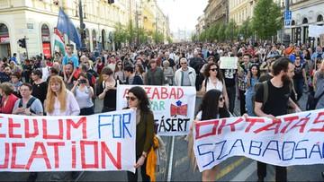 02-04-2017 20:33 Tysiące Węgrów na ulicach w obronie uczelni Sorosa