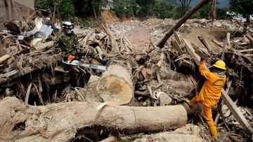 06-04-2017 07:06 Już 301 ofiar lawiny błotnej w Kolumbii, ponad 300 zaginionych