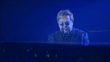 2017-04-25 Elton John wyszedł ze szpitala
